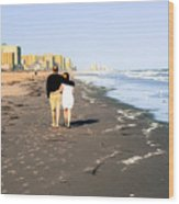 Lovers On The Beach Wood Print
