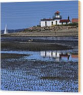 Low Tide At The Lighthouse Wood Print