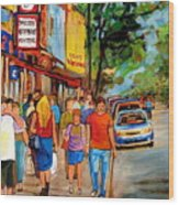Lunchtime On Mainstreet Wood Print