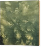 Mammatus Clouds And Double Rainbow Wood Print