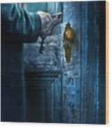 Man With Keys At Door Wood Print