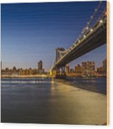 Manhattan Bridge At Night Wood Print