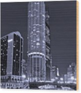 Marina City On The Chicago River In B And W Wood Print by Steve Gadomski