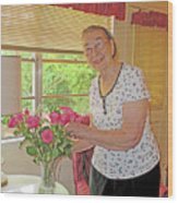 Marion Loves Roses Wood Print