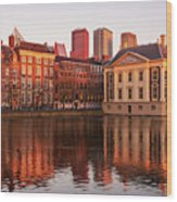 Mauritshuis And Hofvijver At Golden Hour - The Hague Wood Print