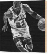 Michael Jordan Drives To The Basket Wood Print