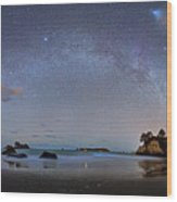 Milky Way At Cathedral Cove Wood Print