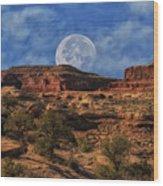 Moon Over Canyonlands Wood Print