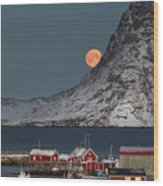 Moonrise In Reine Wood Print