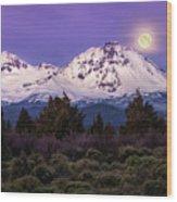 Moonset At Dawn Wood Print