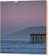 Moonset At Pismo Beach Wood Print