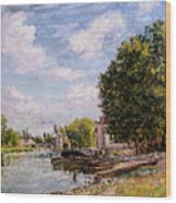 Moret-sur-loing Wood Print by Alfred Sisley