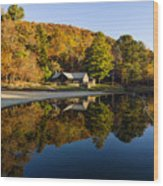 Mountain Lake Beach With Fall Color Reflections Wood Print