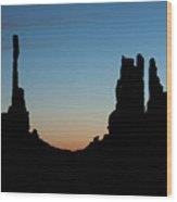 Mv Sunrise Totem Pole And Yei Bi Chei 7218 Wood Print