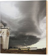 Nasty Looking Cumulonimbus Cloud Behind Grain Elevator Wood Print