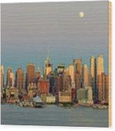 New York City Moonrise I Wood Print