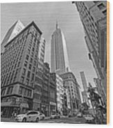 New York Fifth Avenue Taxis Empire State Building Black And White Wood Print