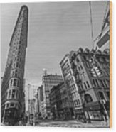 New York Ny Flatiron Building Fifth Avenue Black And White Wood Print