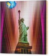 New York Nyc - Statue Of Liberty 2 Wood Print