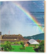 Niagara Falls And Welcome Centre With Rainbow Wood Print