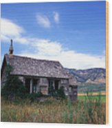 Old House In Idaho Wood Print by Kathy Yates