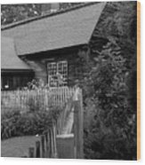 Old Sturbridge House In Black And White Wood Print