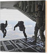 Paratroopers With The Spanish Military Wood Print
