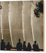 People Watching Fountain At Bellagio Wood Print