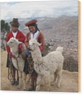 Peruvian Girls With Llamas Wood Print