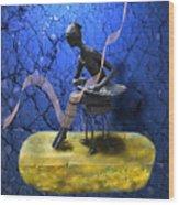 Petite Danseuse De Fer Wood Print