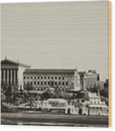 Philadelphia Museum Of Art And The Fairmount Waterworks From West River Drive In Black And White Wood Print