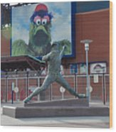 Phillies Steve Carlton Statue Wood Print