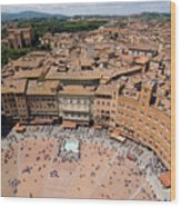 Piazza Del Camp In The Center Wood Print by Joel Sartore