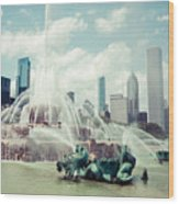 Picture Of Buckingham Fountain With Chicago Skyline Wood Print