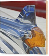 Pontiac Hood Ornament Wood Print by Larry Keahey