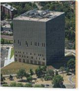 Psac II Building In Nyc Wood Print