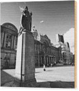 queen victoria statue and Birmingham council house victoria square UK Wood Print