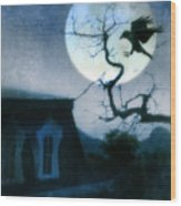 Raven Landing On Branch In Moonlight Wood Print