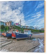 Red And Blue Fishing Trawler In Low Tide Wood Print