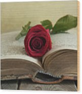 Red Rose On An Old Big Book Wood Print