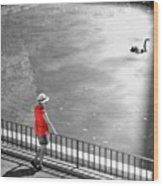 Red Shirt, Black Swanla Seu, Palma De Wood Print