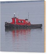Red Tug On Lake Superior Wood Print