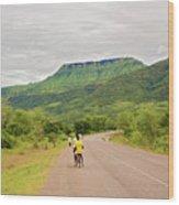 Road In Khondowe, Malawi Wood Print