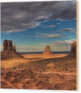 Road Through Monument Valley Wood Print