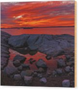 Rocky Shoreline At Sunset Wood Print