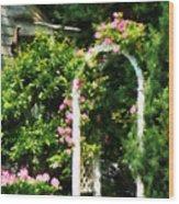 Roses On Trellis Wood Print