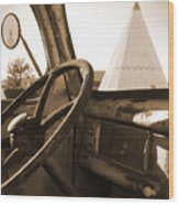 Route 66 - Parking At The Wigwam Wood Print