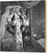 Rugged Cross At Fuerty Cemetery Roscommon Ireland Wood Print