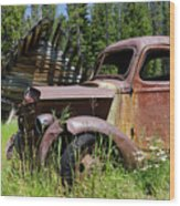 Rusted Truck Wood Print
