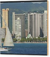 Sailing Off Waikiki Wood Print